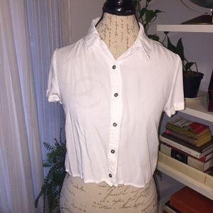 Forever 21 Cropped Button up White shirt size S